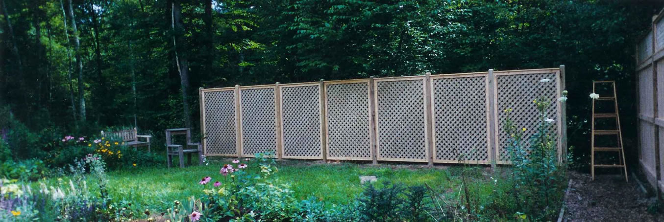 Lattice Screens For Privacy